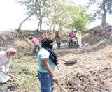 प्रवासी श्रमिकों को मिला रोजगार, आमी नदी व तुर्रा नाले का कायाकल्प शुरू Gorakhpur News