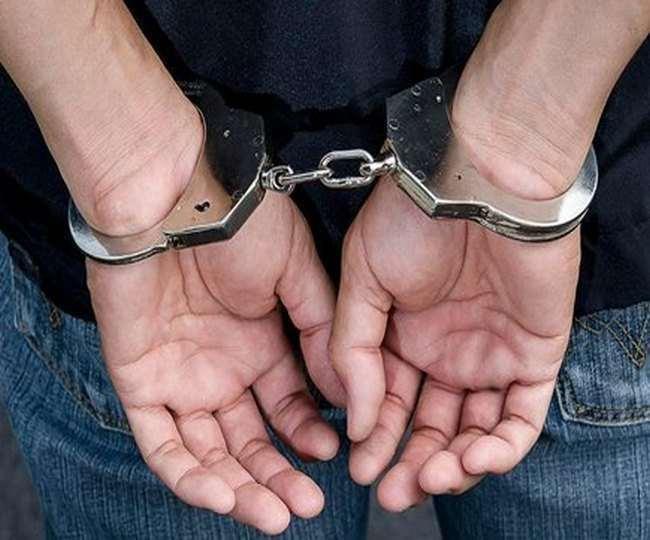 गिरफ्तार किए गए आरोपित का नाम संजय उर्फ नवीन कुमार है।