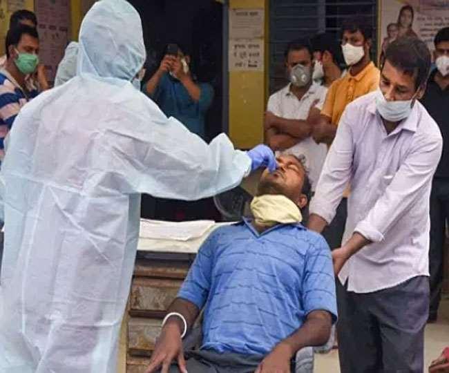 भारत में कोरोना के मामलों में गिरावट जारी है।
