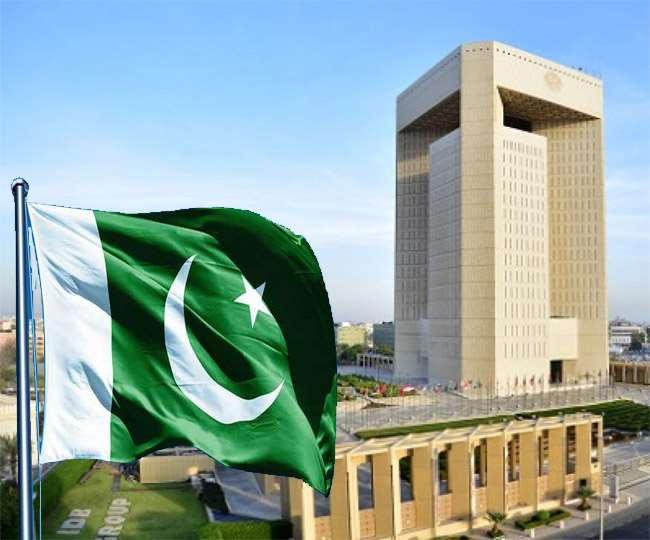 पाकिस्तान के खराब हो रहे आर्थिक हालात लेना पड़ा फिर कर्ज