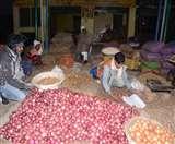 इंदौर से आया प्याज, अब नासिक का इंतजार; दाम कम होने की उम्मीद जगी Dehradun News