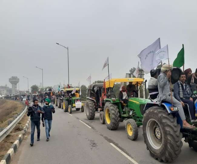 IN PICS Kisan Tractor March in Delhi: Protesting farmers to hold tractor  march at four borders of Delhi see more pictures