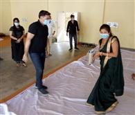 आश्रय स्थल में महिलाओं को बांटी गई गरिमा किट