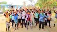 जोजोकुड़मा के डीलर पर कम राशन देने का आरोप