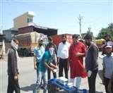 Positive India: जरूरतमंदों की सेवा में जुटे दर्जनों हाथ, भोजन और राशन का किया जा रहा वितरण Meerut News