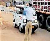 Coronavirus: कर्नाटक सरकार बोली- लॉकडाउन को खत्म करना अभी होगी जल्दबाजी