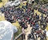 Dhanbad Lockdown Day 14: पड़ोस में कोरोना पॉजिटिव मिलने के बाद प्रशासन सख्त, 43 बाइक चालकों का कटा चालान