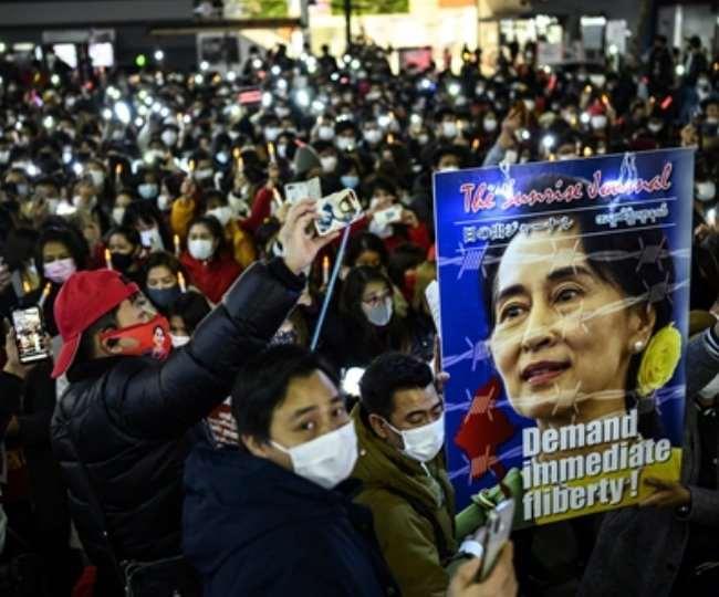 बुधवार को हुए प्रदर्शनों पर सुरक्षा बलों ने कार्रवाई करते हुए 13 आंदोलनकारियों को मौत के घाट उतार दिया।