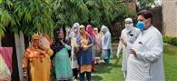 रमण भल्ला ने श्रमिकों में बांटा राशन