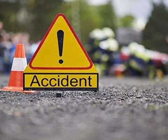 ग्रेटर नोएडा में तेज रफ्तार अनियंत्रित कार नाले में गिरी, तीन लोगों की मौत