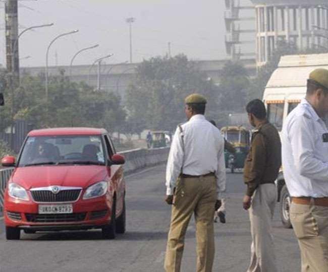 Noida Traffic Police News: रेड लाइट जंप करना पड़ेगा महंगा, 3 महीने के लिए निरस्त होगा लाइसेंस