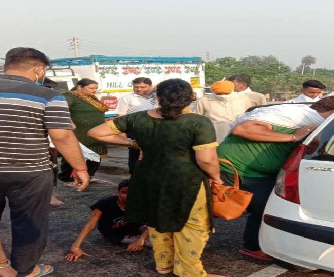 यमुनानगर में सड़क हादसे में क्षतिग्रस्त कार।