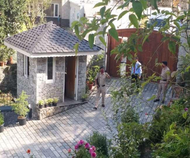 मनाली में कंगना की सुरक्षा के लिए हिमाचल पुलिस के जवान तैनात