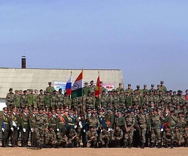Image result for रूसी उप-प्रधानमंत्री यूरी बोरिसोव और भारतीय रक्षा मंत्री राजनाथ