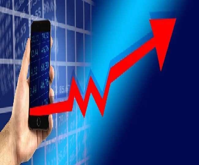 हमारा मानना है कि दिवाली से बाजार 12,450 या 12,500 के नए रिकॉर्ड उच्च स्तर को छुएगा।