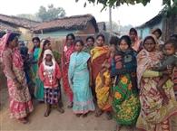 समस्याओं के भंवर में फंसे ग्रामीणों को मसीहा का इंतजार