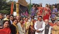 गीता के श्लोक उच्चारण के बीच निकाली शोभायात्रा