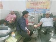 अर्द्धसैनिक बलों के लिए शिक्षकों ने किया रक्तदान