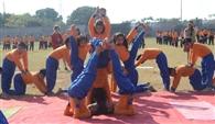विद्यार्थियों ने योग से लेकर दौड़ में दिखाई प्रतिभा