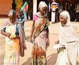 Jharkhand Election 2019: बूथ पर कुछ यूं मिले तीन पुराने यार...वोट के बहाने याद आई जवानी; मिलिए महादी, रामैया और बुधनी से