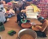 प्रैक्टिस छोड़ लंगर में डटे सीए और डॉक्टर, रोजाना तैयार कर रहे हजारों का खाना