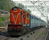 Corona Virus अब सैनिटाइज होकर ही ट्रेन में बैठ सकेंगे यात्री, स्टेशन पर लगाए जाएंगे स्कैनर