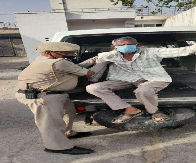 दूसरी लहर में विभाग की तरफ से पुलिसकर्मियों के परिवार को आर्थिक सुरक्षा भी मुहैया कराई गई।