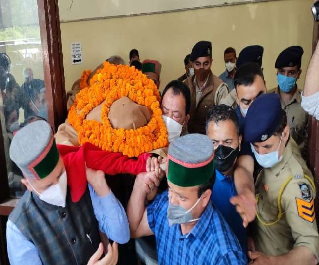 Himachal Pradesh Six Time Chief Minister Virbhadra Singh Passed Away Three  Days State mourning declared