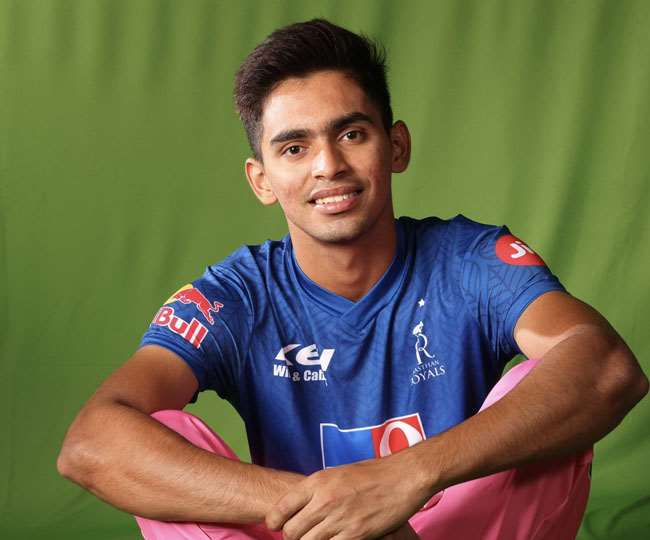 IPL debutant Kartik Tyagi says he is learning how to do Match preparation  from senior players