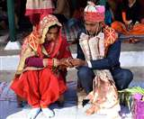 दिल को छूती और गुदगुदाती भारतीय शादियों की अनूठी रस्में