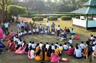 बच्चों ने उठाया वनभोज का आनंद
