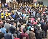 Delhi Fire Live Updates: दिल्ली के अनाज मंडी में भीषण आग से अब तक 45 की मौत, FIR दर्ज