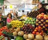Food Safety: दूषित फल खाकर हर दसवां व्यक्ति बीमारी का शिकार, खाद्य पदार्थों को लेकर कितना सतर्क हैं आप