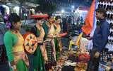 सिर्फ शिल्प-कला व संस्कृति का संगम ही नहीं, भाषाई साझेदारी का भी अद्भुत प्लेटफार्म है शिल्प मेला Prayagraj News