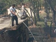 अज्ञात कारणों से लगी आग, गृहस्थी हुई राख