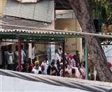 Corona Positive के अंतिम संस्कार का विरोध, हरनाम दास पुरा श्मशानघाट के बाहर जमा हुए लोग
