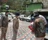 Curfew के बीच सड़क पर प्रसव पीड़ा से कराह रही महिला के लिए देवदूत बनी ढली पुलिस Shimla News