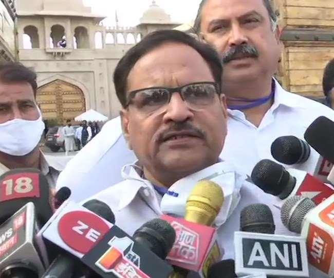 कांग्रेस ने अपने सहयोगी दल एआईयूडीएफ के विधायक प्रत्याशियों को जयपुर शिफ्ट किया है।