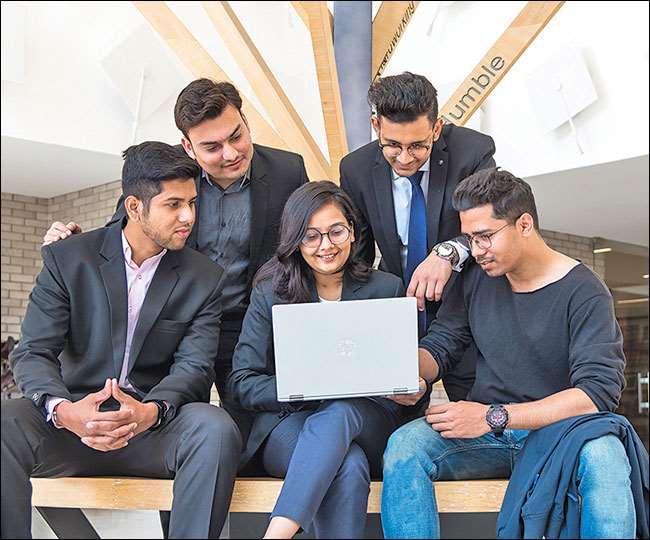 संस्थान CAT, CMAT और MAT में बेहतर स्कोर वाले छात्रों को 4 लाख रुपये तक की स्कॉलरशिप भी देता है।
