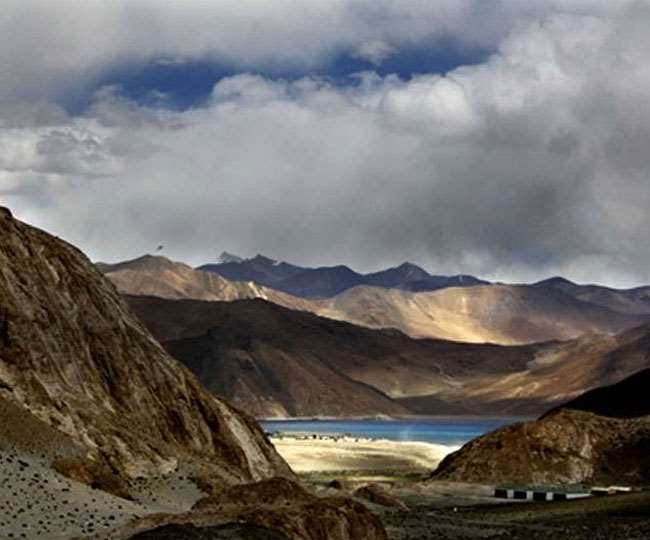 India China Tension: China started construction in north of Pangong lake, Indian army stands in south