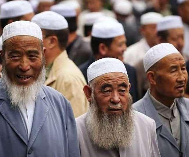 Uygar-Muslime sind in 15 Folterlagern in der chinesischen Stadt Trump inhaftiert