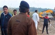 क्राइम ब्रांच की टीम ने अवैध खनन में लगे वाहनों को पकड़ा