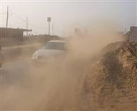 धूल के गुबार से जीटी रोड बना खतरा, लोग हो रहे घायल