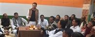 कांग्रेस ने बढ़ाया 'हाथ', मुद्दे दिल्ली नहीं कार्यकर्ता करेंगे तय