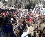 श्राइन बोर्ड गठन के विरोध में तीर्थ पुरोहितों ने किया विधानसभा कूच, पुलिस ने रोका