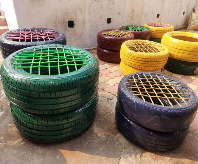 धनबाद के इंजीनियरों द्वारा टायर से बनाया गया फर्नीचर। जागरण