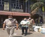 Lockdown violation: होटल में रह रहे तीन लोगों से गहन पूछताछ, मची खलबली Aligarh news
