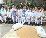 सीएम आवास के बाहर धरने पर बैठे भाजपा विधायकः जागरण