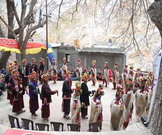 17 व 18 अप्रैल को खल्सी इलाके के दाह व बीमा गांवों में भी इस महोत्सव का आयोजन होगा।