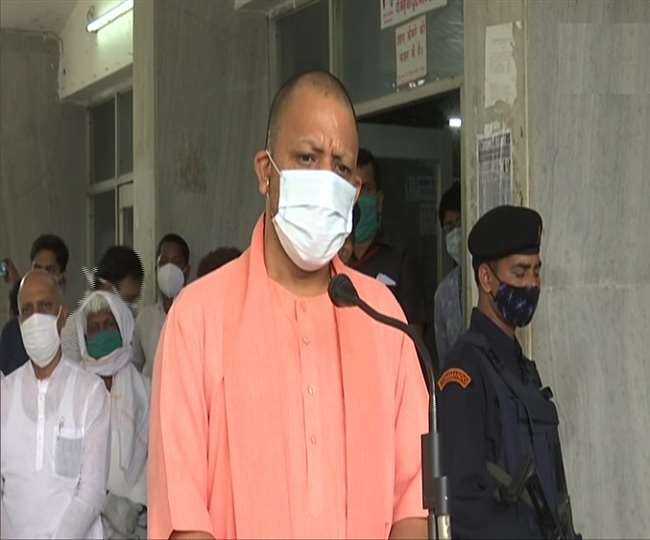 मुख्यमंत्री योगी आदित्यनाथ का गुरुवार को दिन में अचानक ही दिल्ली जाने का कार्यक्रम फाइनल हुआ